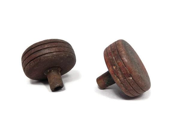 antique wooden door knobs photo - 12