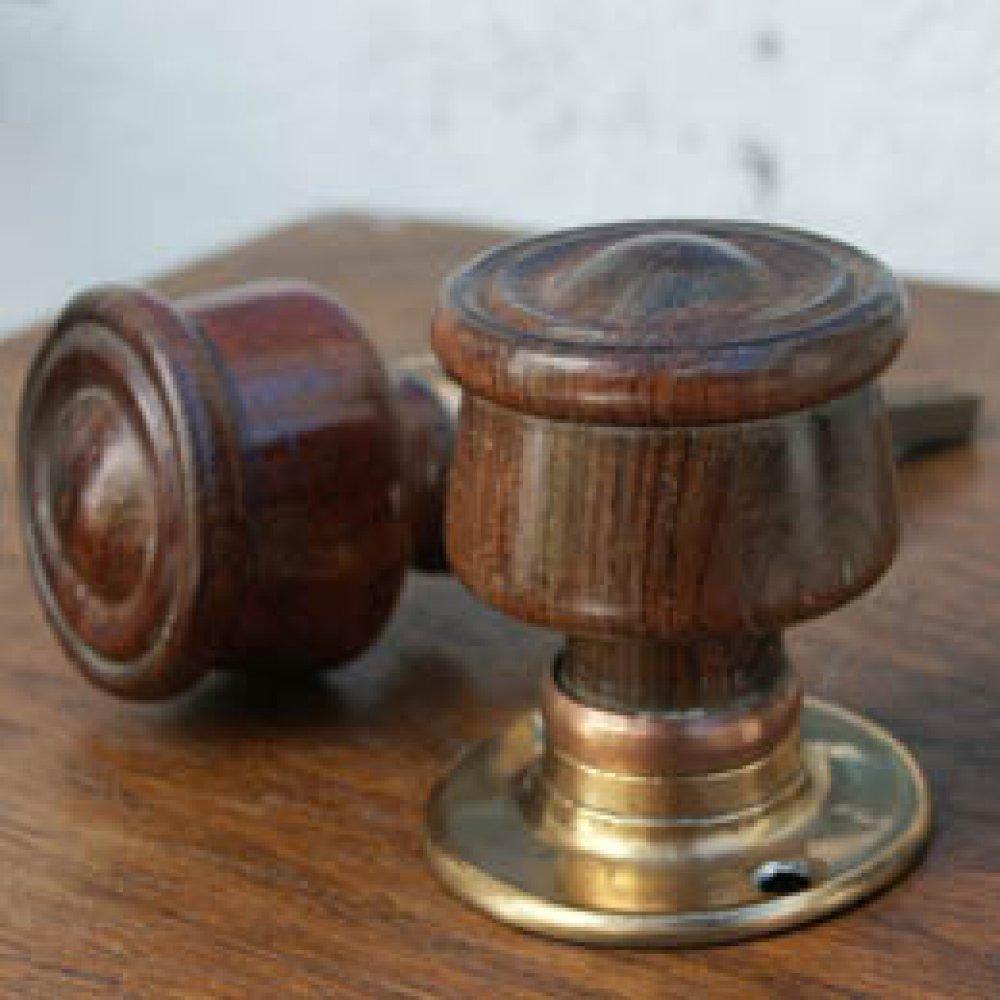 antique wooden door knobs photo - 2