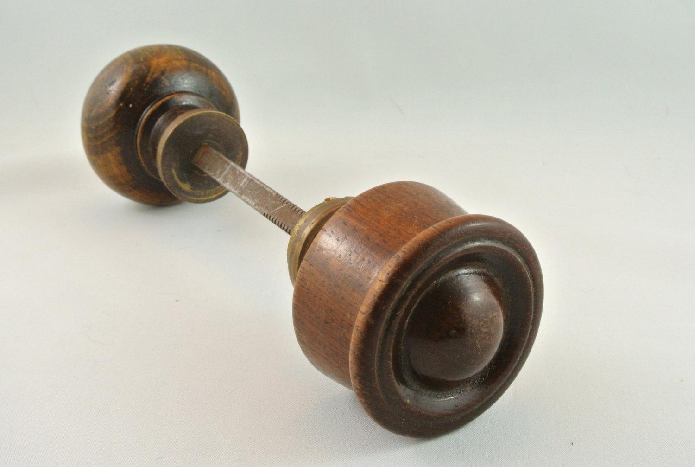 antique wooden door knobs photo - 7