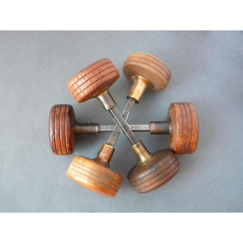 antique wooden door knobs photo - 9
