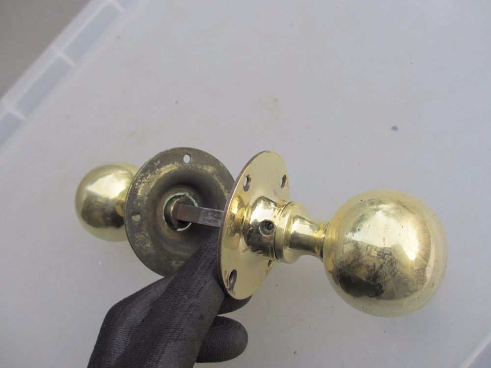 architectural door knobs photo - 3