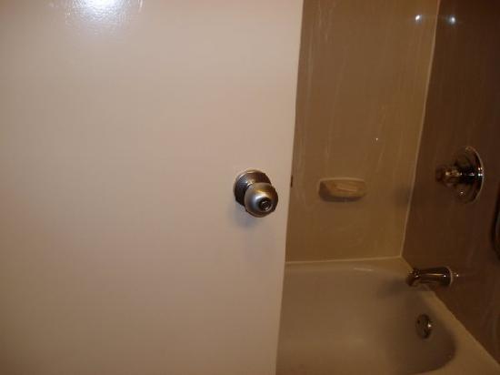 bathroom door knob photo - 15
