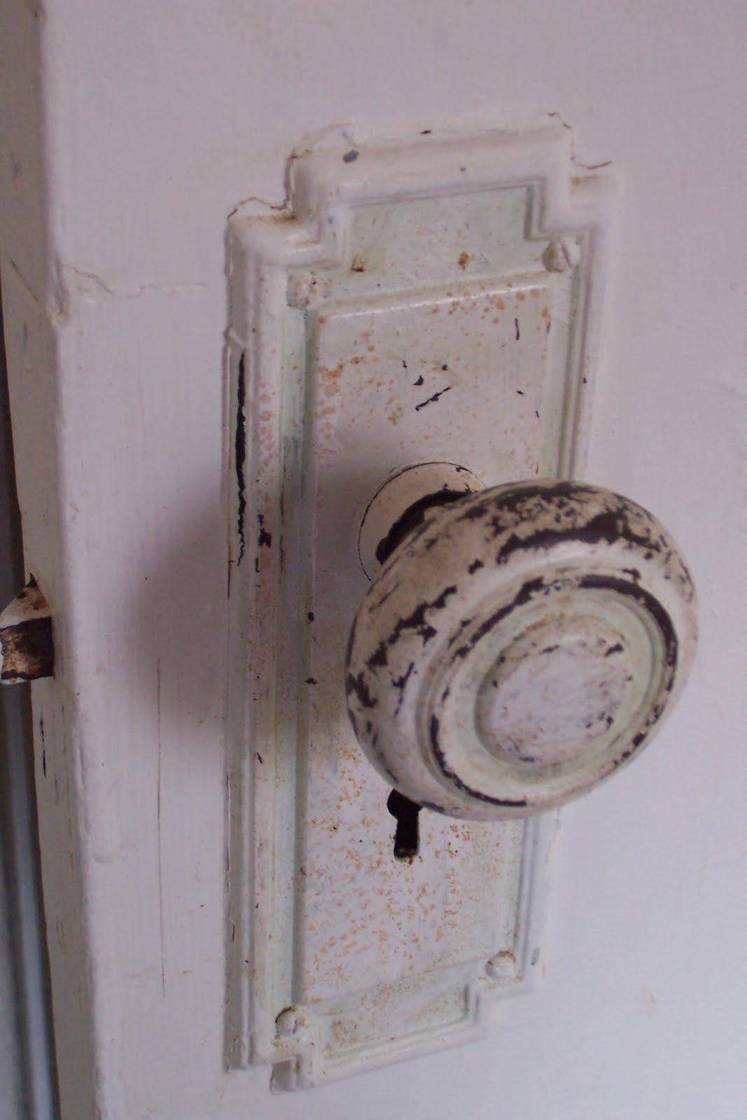 bedroom door knob photo - 12