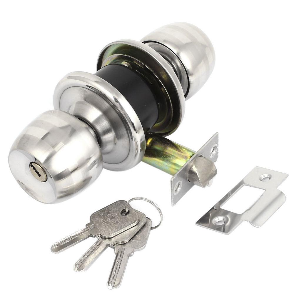 bedroom door knob with key lock photo - 1