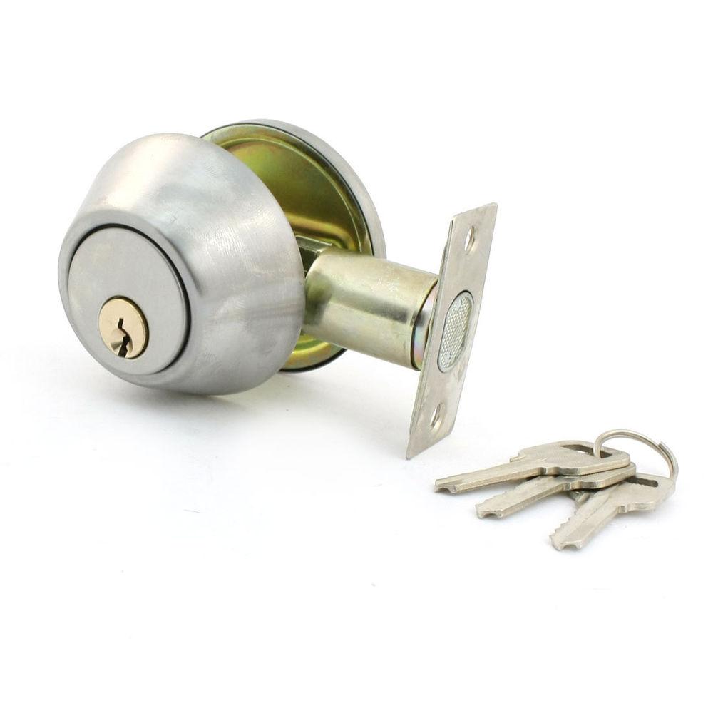 bedroom door knob with key lock photo - 12