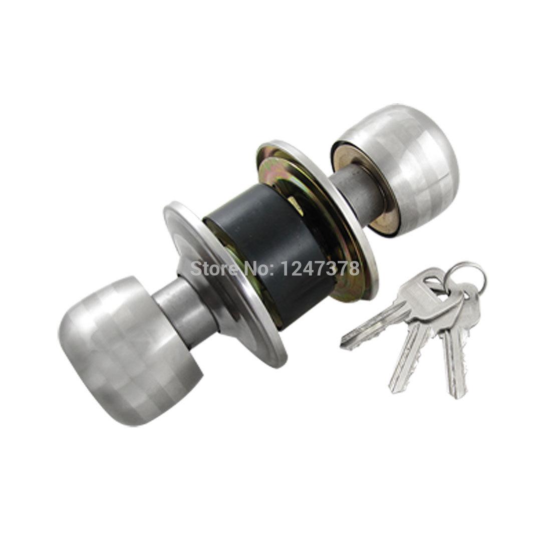 bedroom door knob with key lock photo - 3