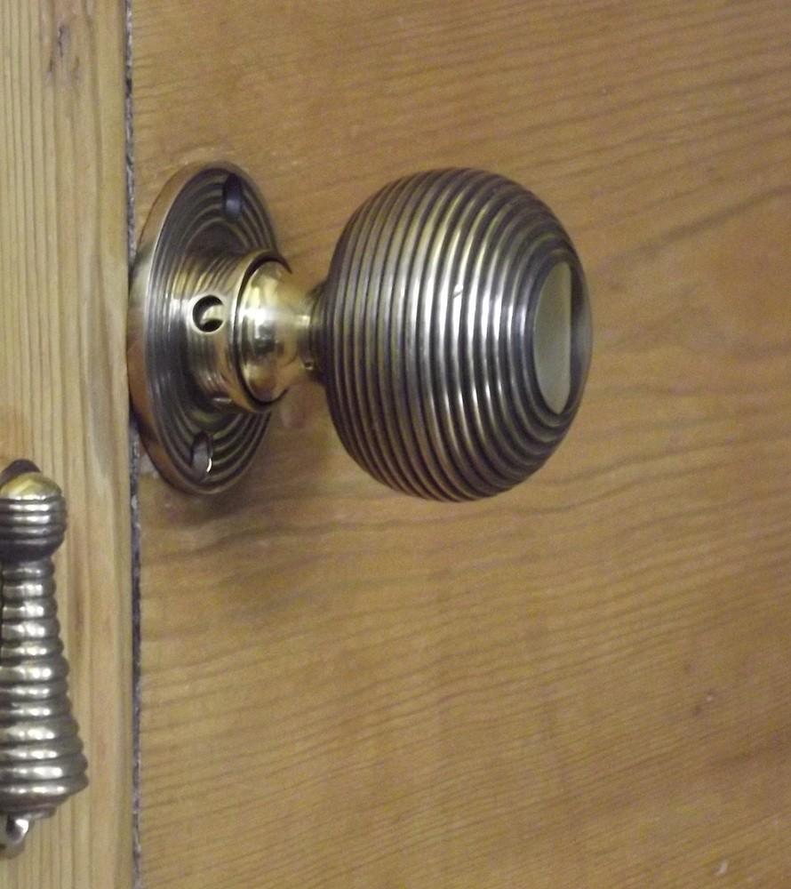 beehive door knob photo - 7