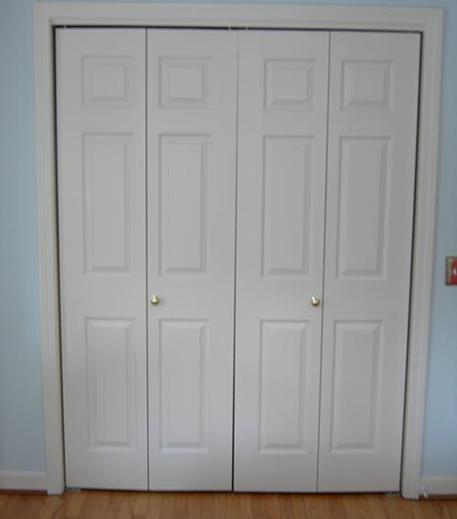bifold door knob placement photo - 2