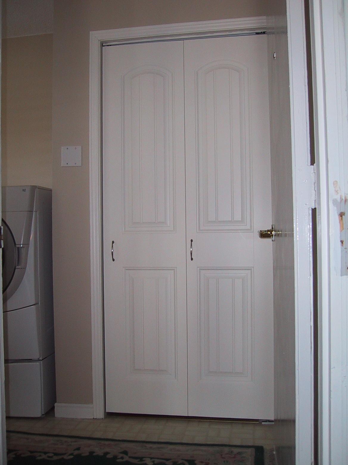 bifold door knob placement photo - 9