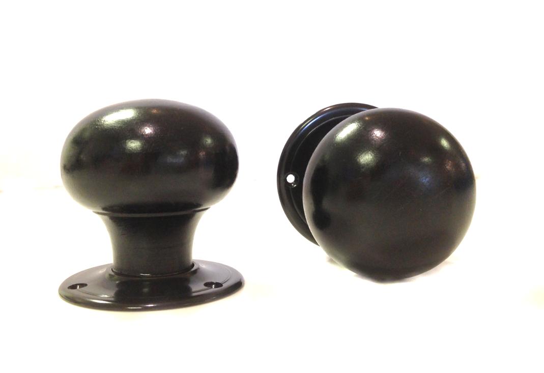 black door knob photo - 18