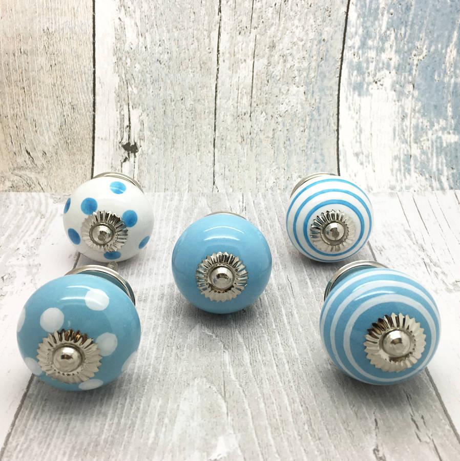 blue door knob photo - 10