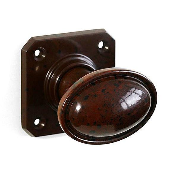 brown door knobs photo - 13