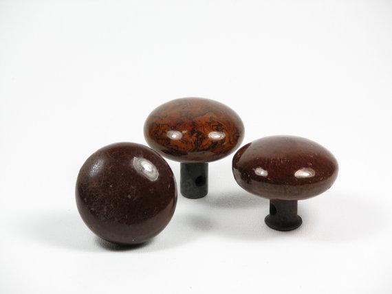 brown door knobs photo - 4