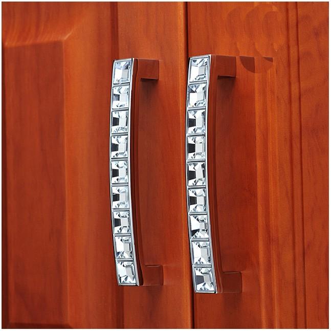 cabinet door knob location photo - 6