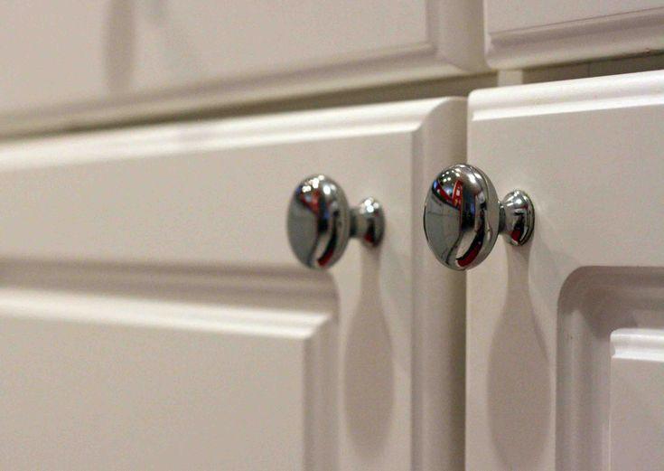 cabinet door knob location photo - 8