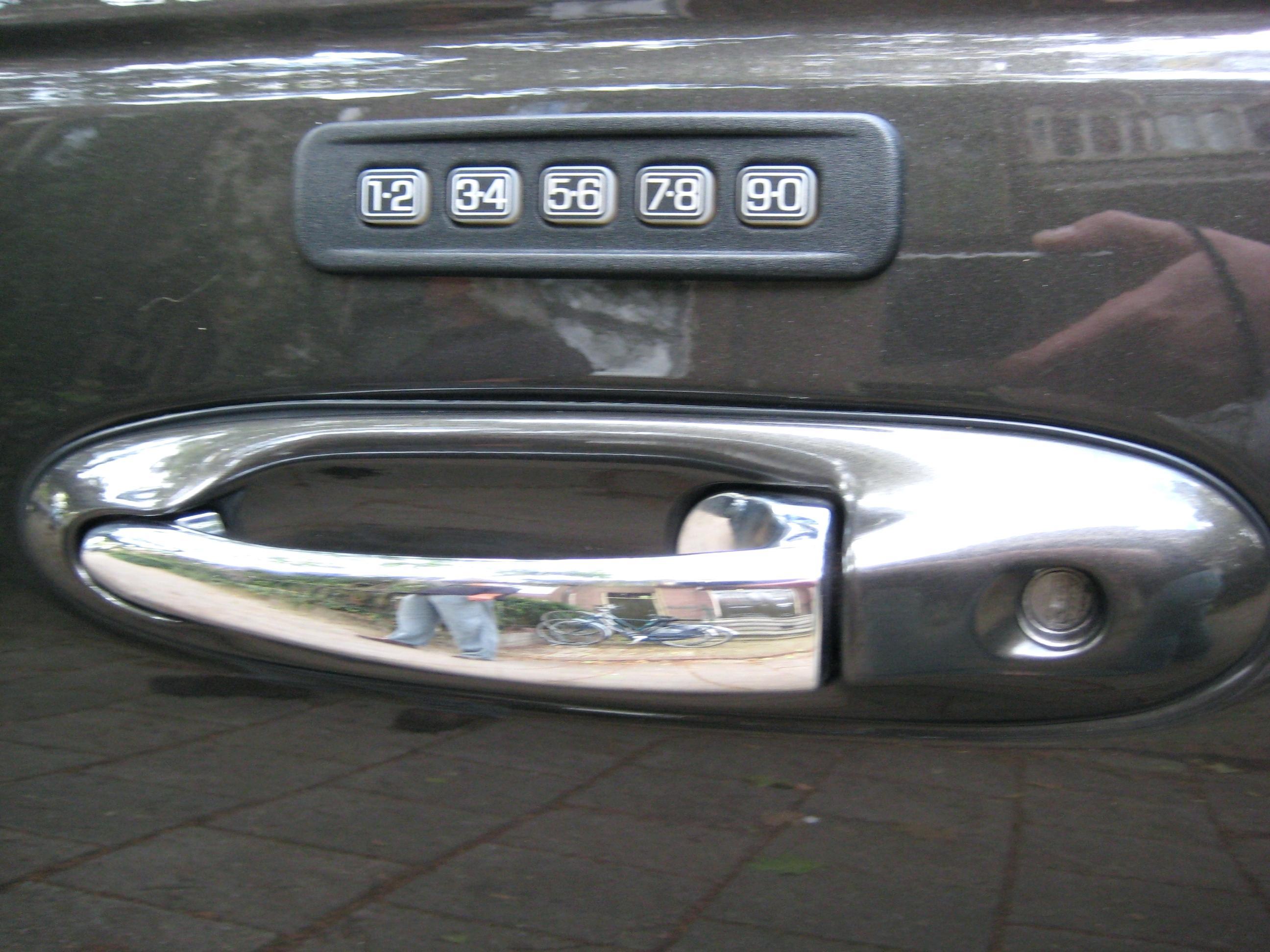 car door lock knob photo - 20