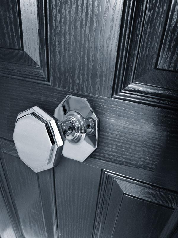center door knob photo - 9