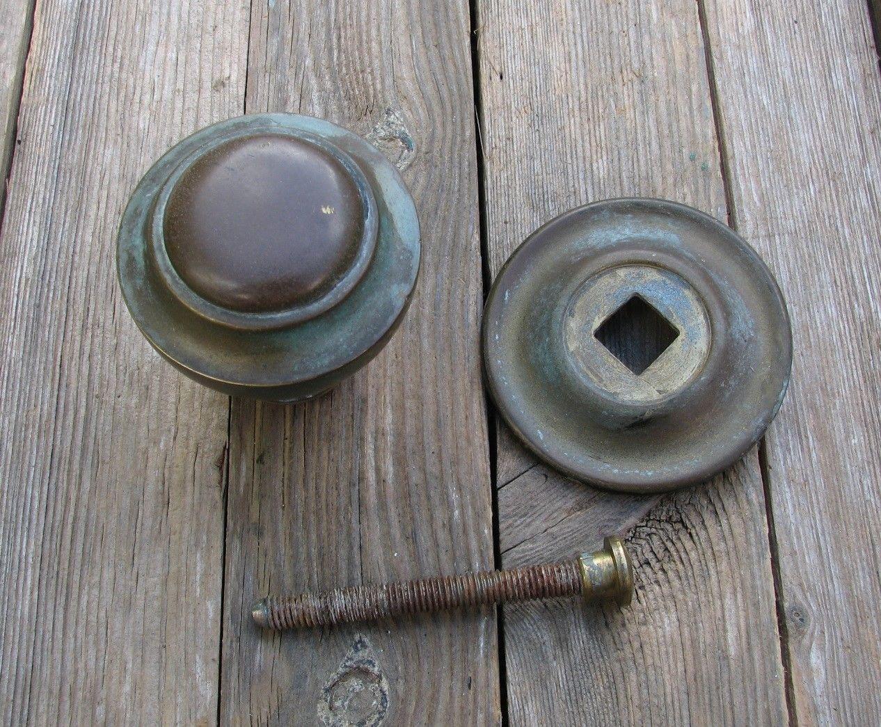 center door knobs photo - 17