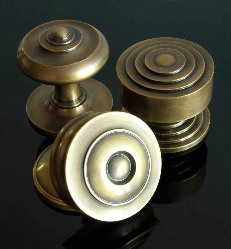 centre door knobs photo - 5