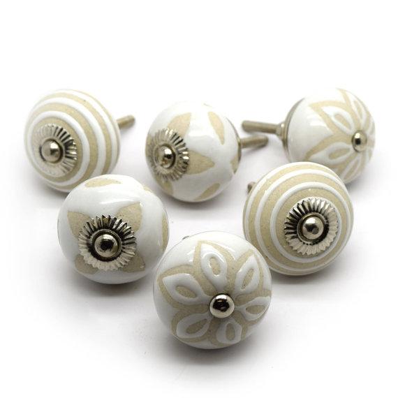 cream ceramic door knobs photo - 14