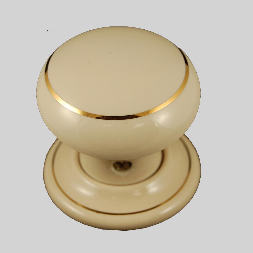 cream door knobs photo - 17