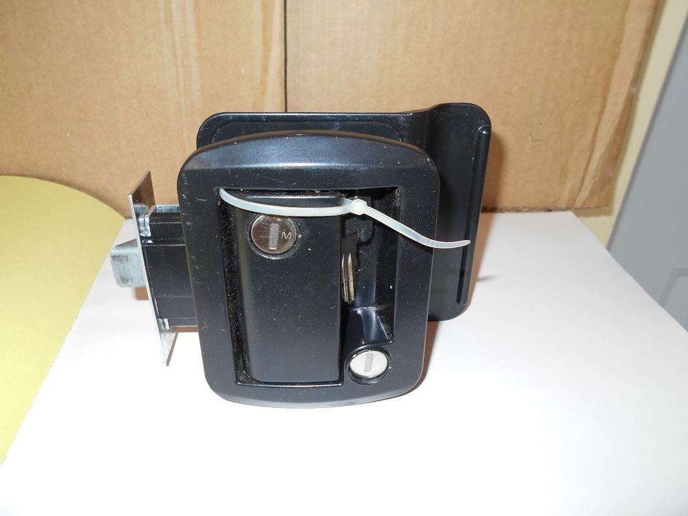 deadbolt door knob photo - 3