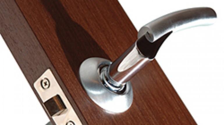 dexter door knob removal photo - 14
