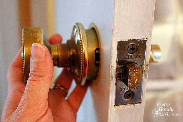 dexter door knob removal photo - 7