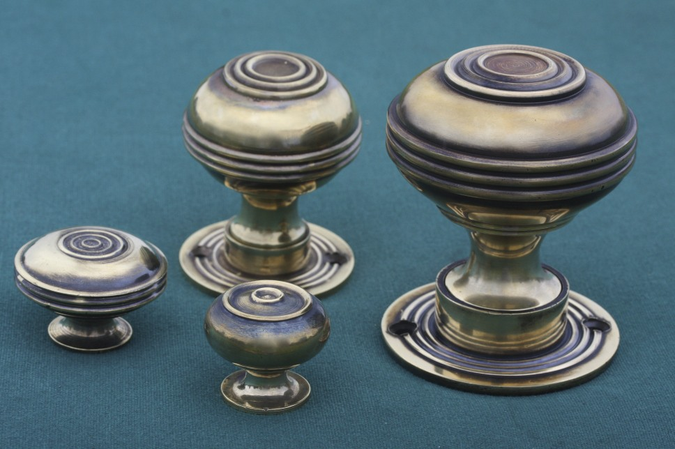 different kinds of door knobs photo - 2