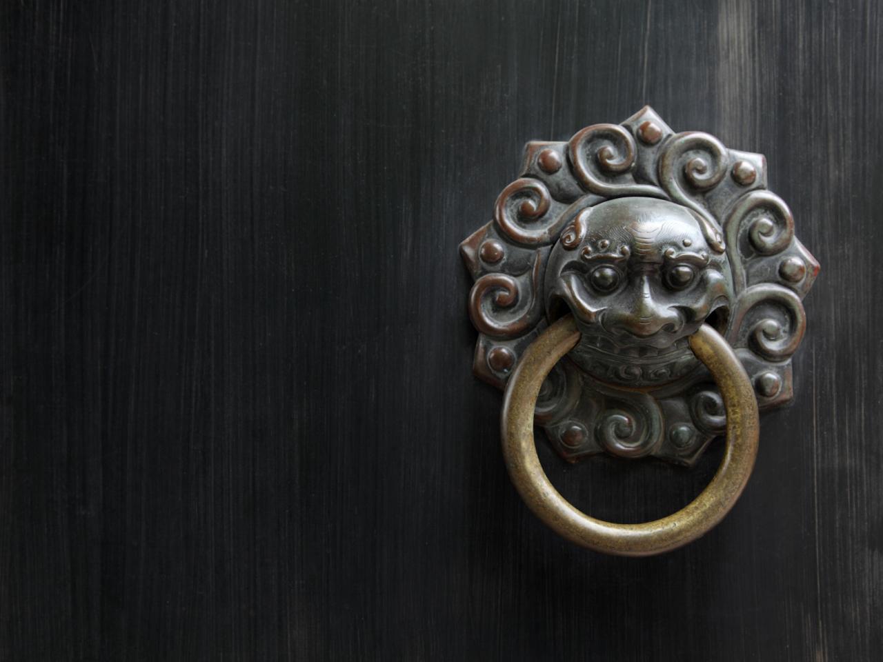 door hinges and knobs photo - 8