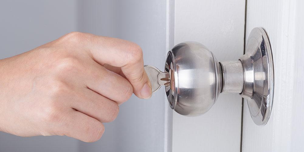 door knob discount center photo - 3