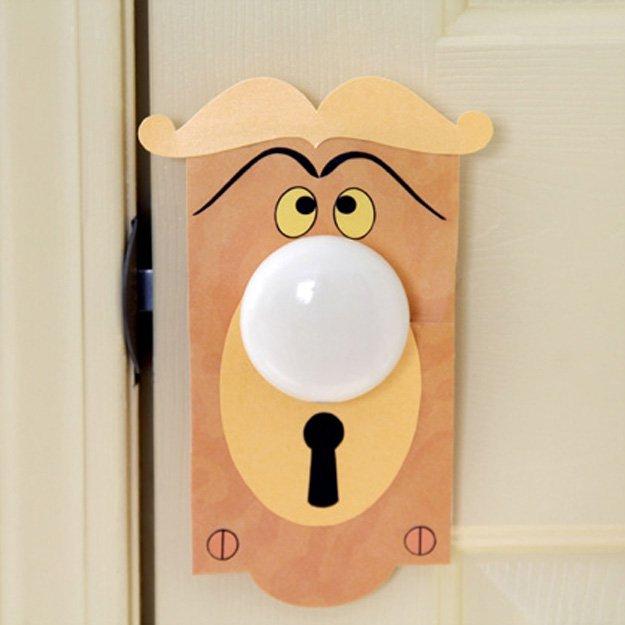 door knob girl photo - 10