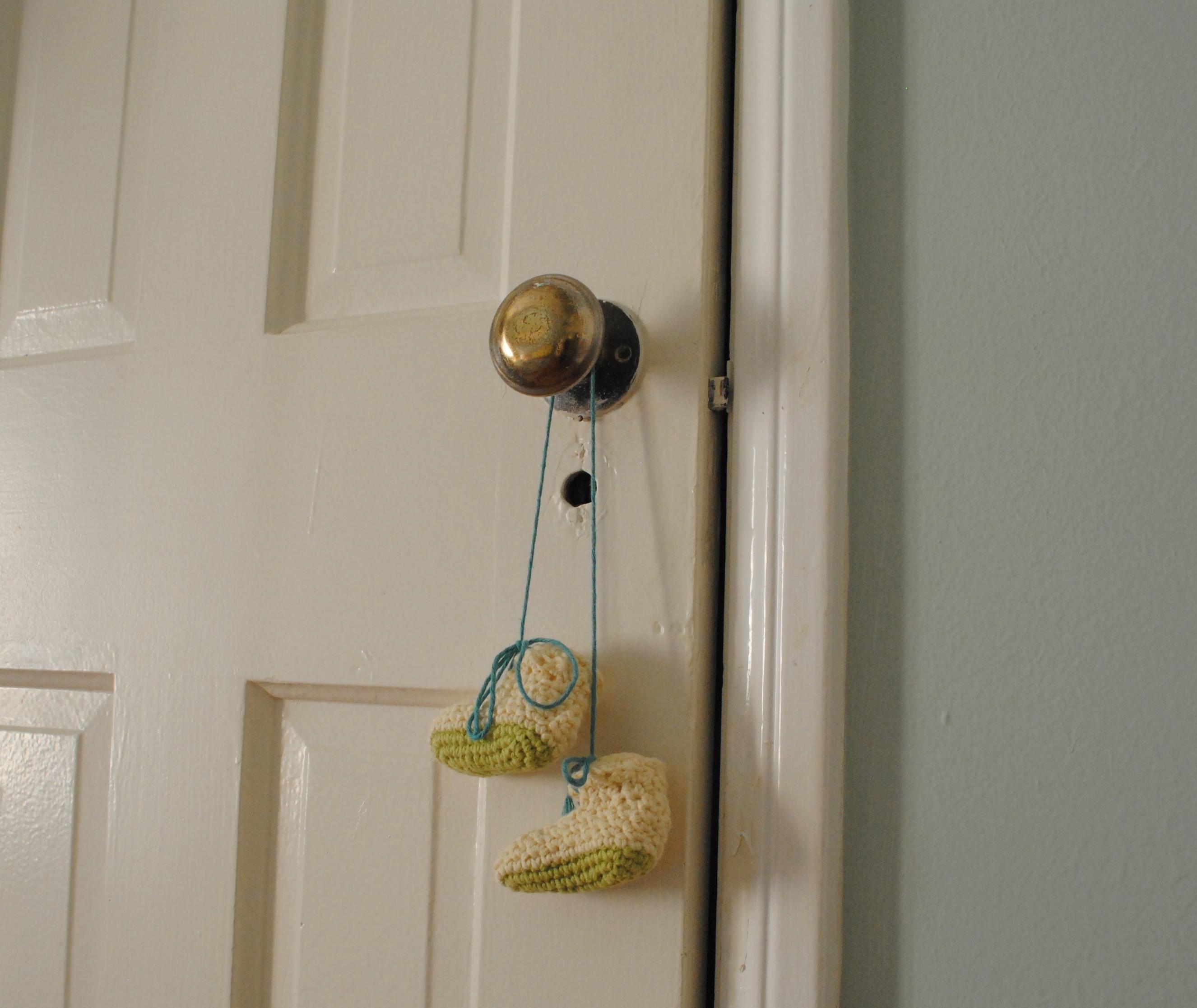 door knob girl photo - 14