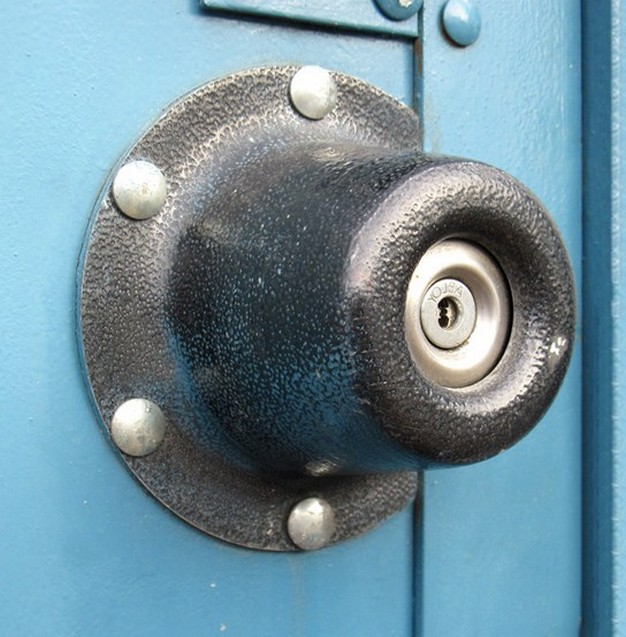 door knob guard photo - 3