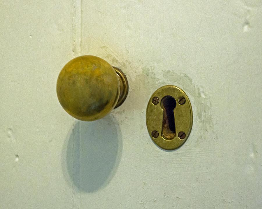 door knob hole photo - 11