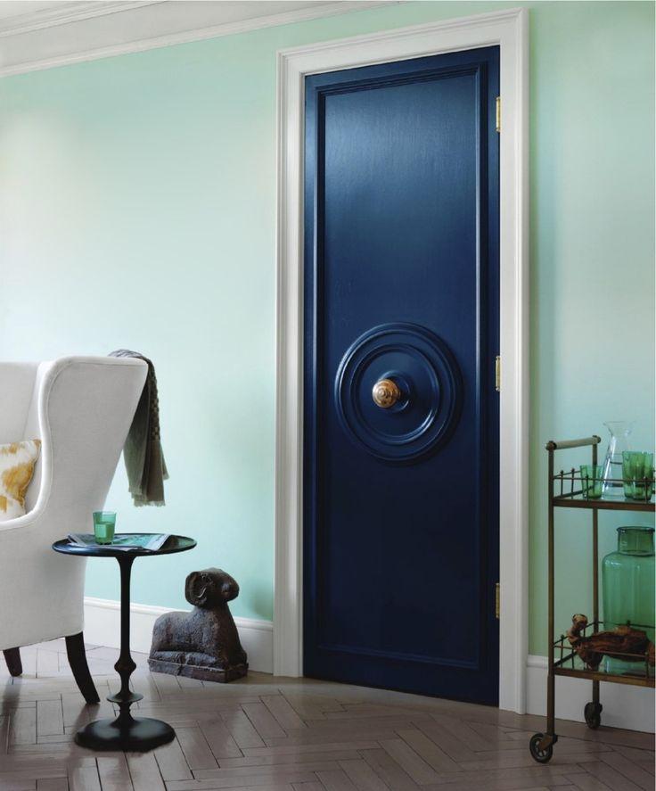 door knob in center of door photo - 7