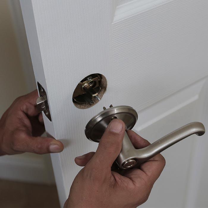 door knob install photo - 4