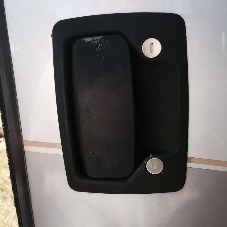 door knob latch problems photo - 20