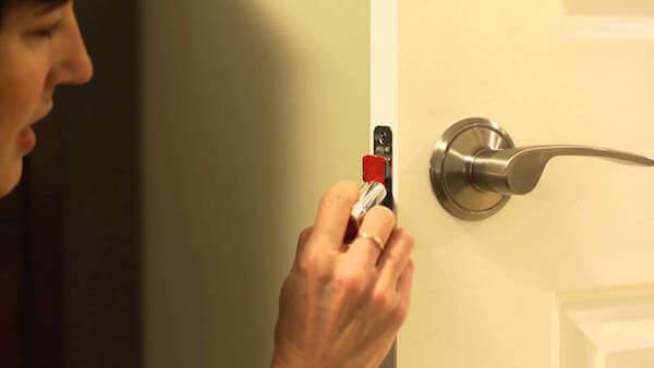 door knob latch problems photo - 3