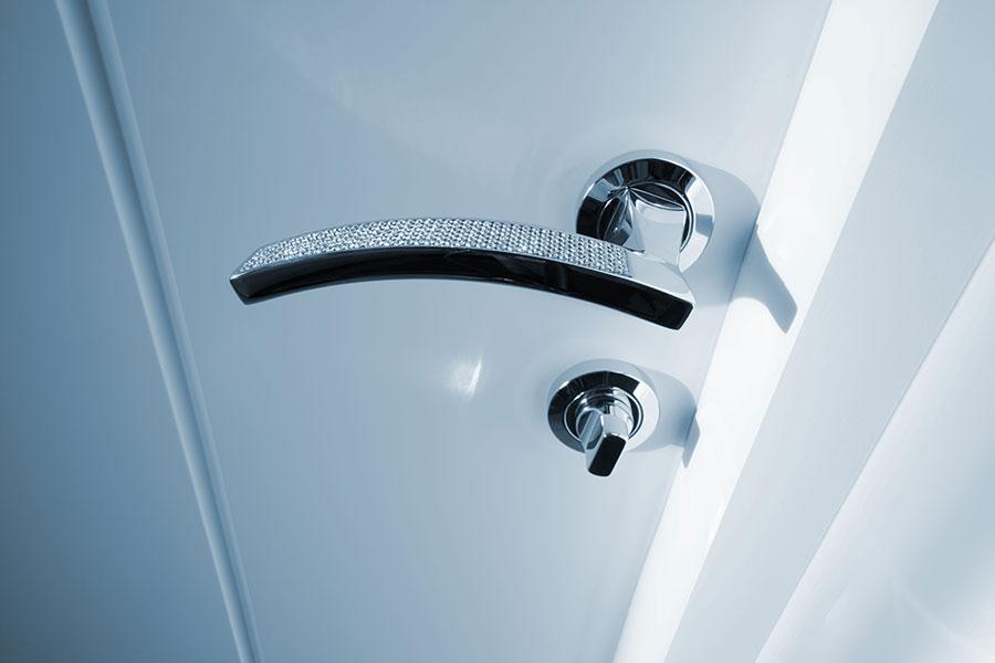 door knob latch problems photo - 5