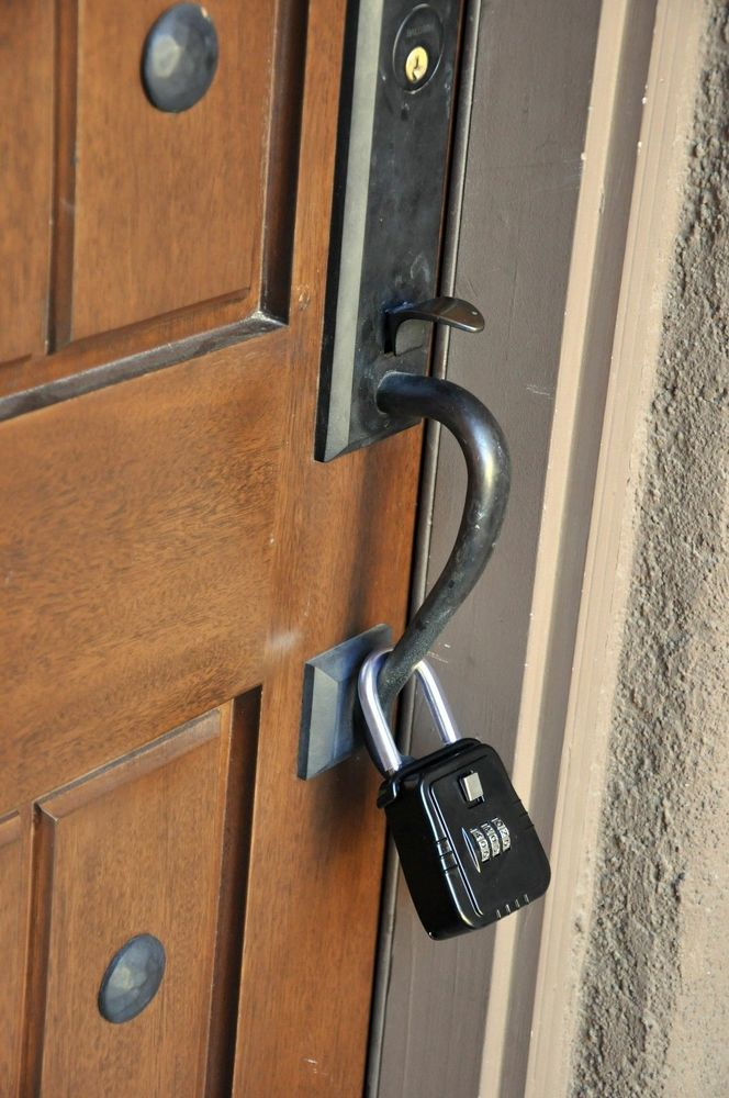 door knob lock box photo - 3