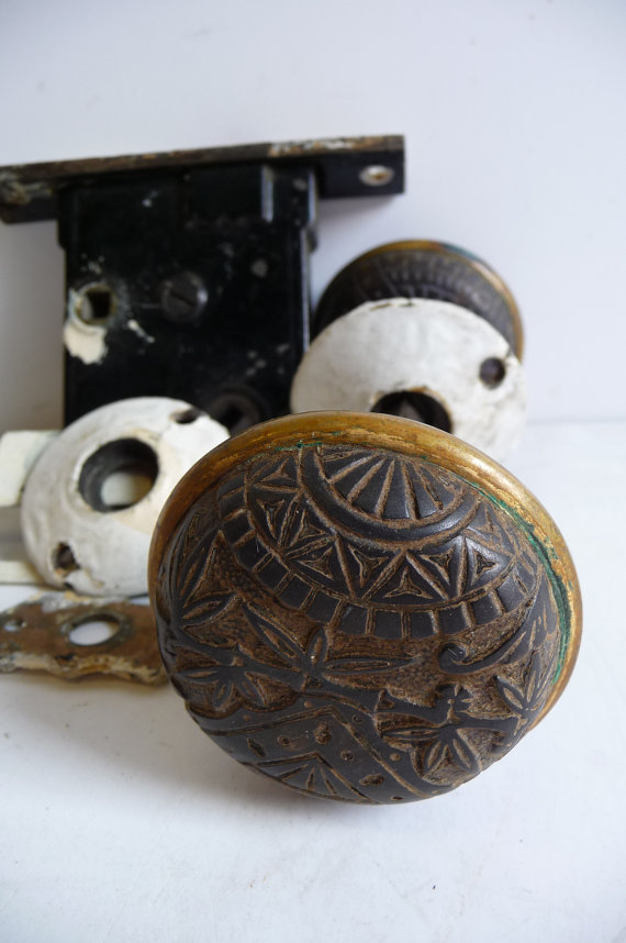 door knob lock mechanism photo - 15