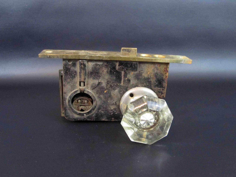 door knob lock mechanism photo - 4