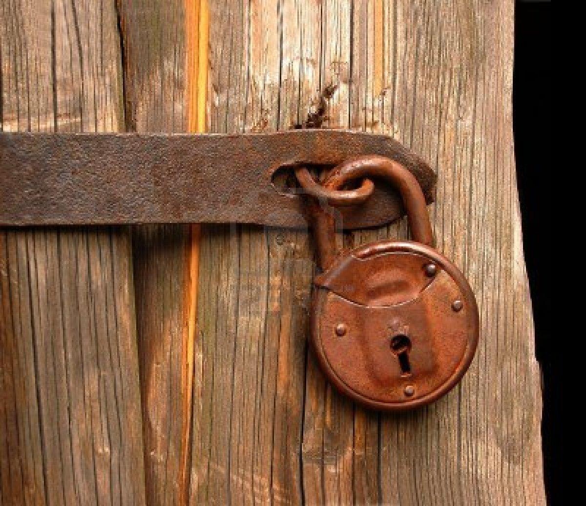 door knob lock stuck photo - 12