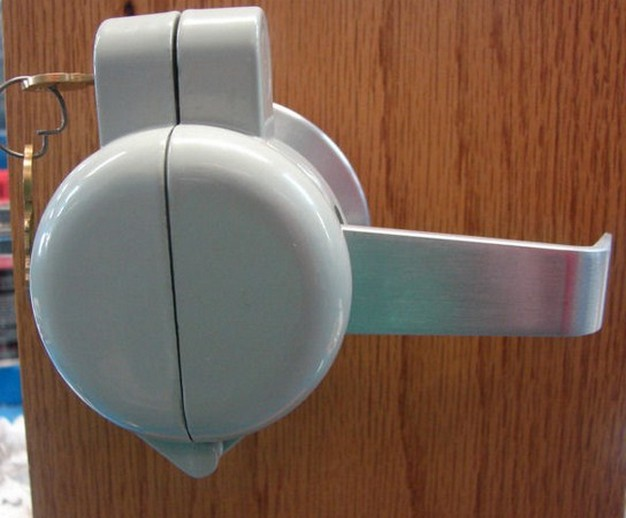 door knob lockout device photo - 1