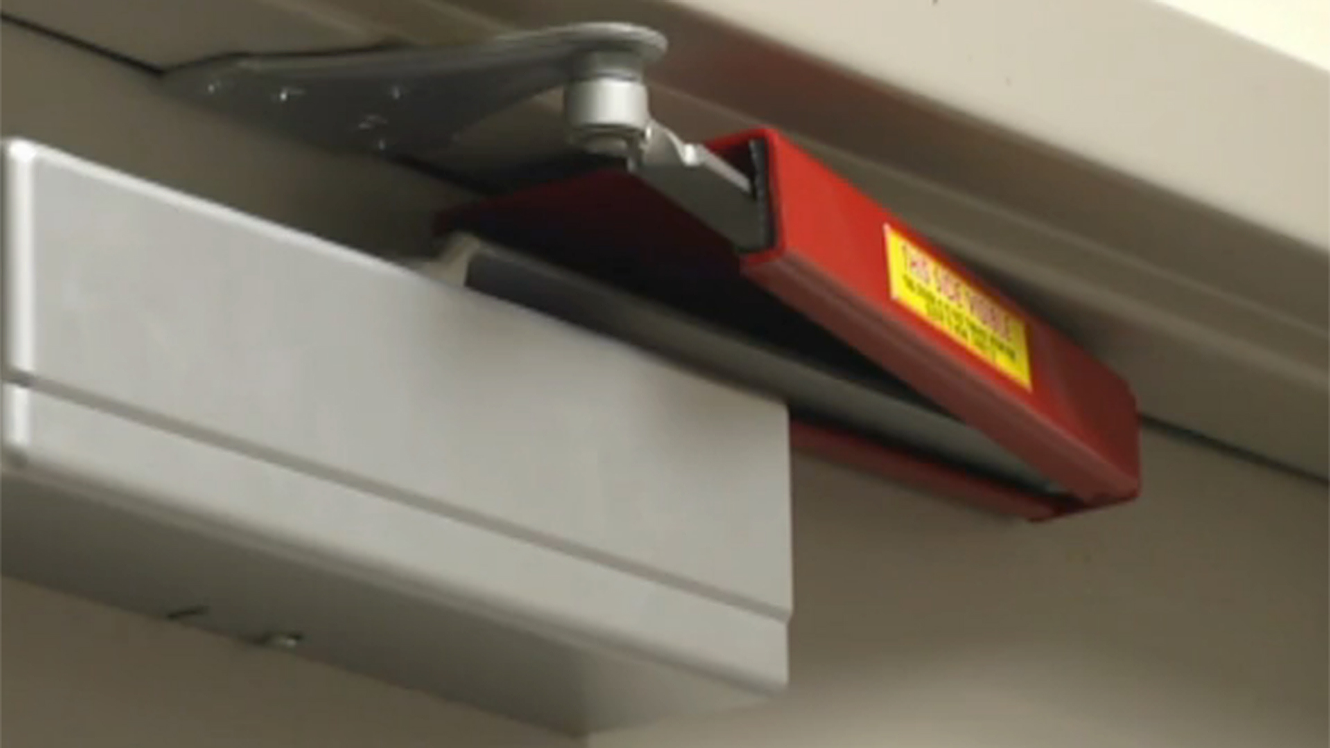 door knob lockout device photo - 16
