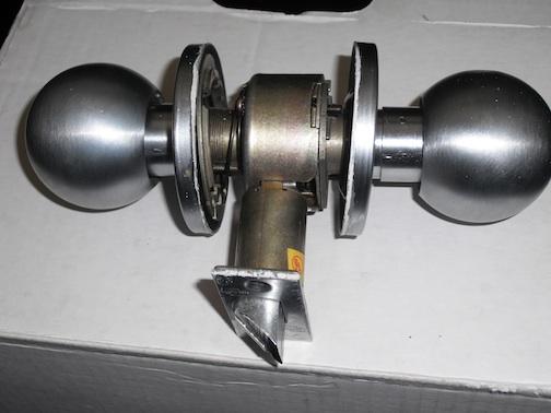 door knob removal photo - 6