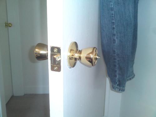 door knob replacement photo - 11
