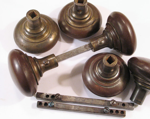 door knob set screws photo - 13
