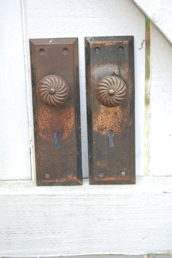 door plates and knobs photo - 12